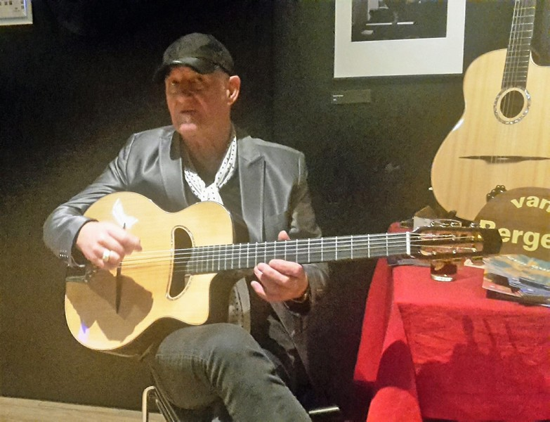 The great Jan Akkerman with my Big sound Gipsy guitar,